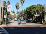 Santa Barbara CA, Bike lane ends at intersection, Continues on other side of intersection,  Coloured intersection crossing, No bike lane or sparrows in intersection ©Photograph by H-JEH Becker, 2012